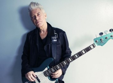 Fender presenta el Adam Clayton Jazz Bass