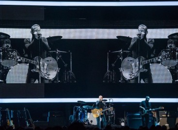 Bryan Adams celebra el 30 aniversario de Reckless con XL Video