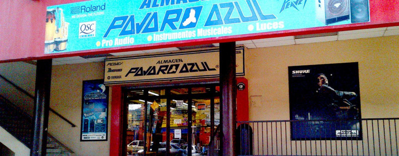 Pájaro Azul presenta productos en Honduras