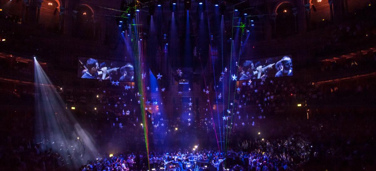 XL Video crea un cielo lleno de video para Coldplay