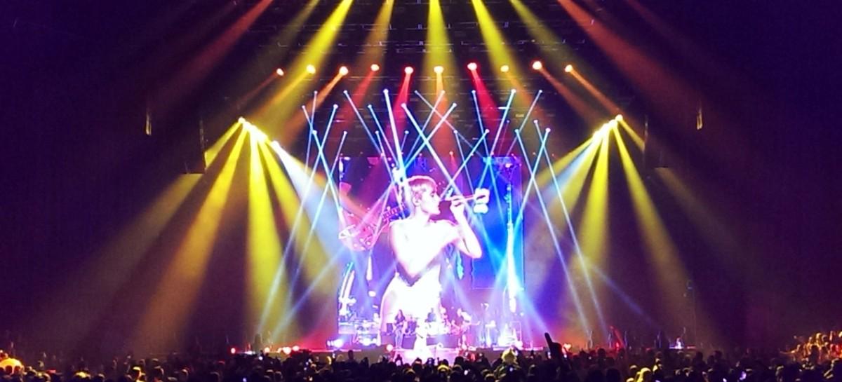 CHAUVET Professional le añade color al concierto de Miley Cyrus