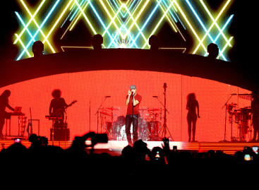 Adlib llena de sonido el tour de Enrique Iglesias