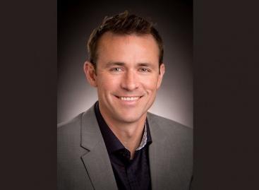Fender Musical Instruments Corporation cuenta con Evan Jones como Director de Marketing