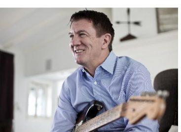 Andy Mooney es el nuevo CEO de Fender Musical Instruments Corporation