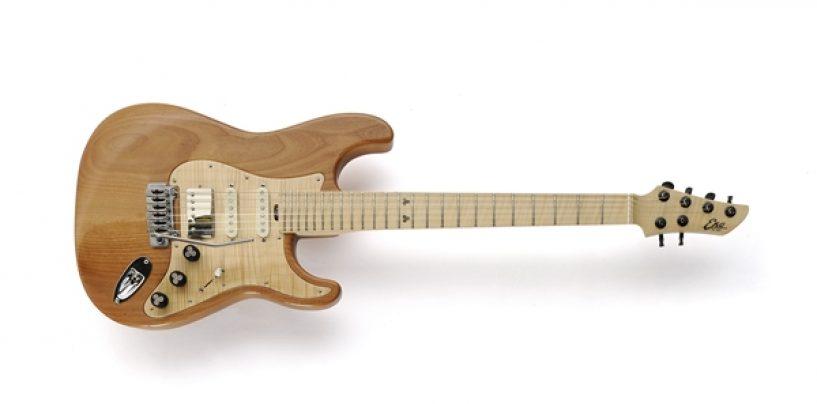 Disponible la guitarra Aire Masterbuilt de Eko