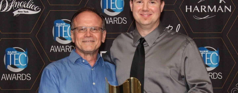 Los auriculares ATH-R70x de Audio-Technica se llevan el TEC Award a casa