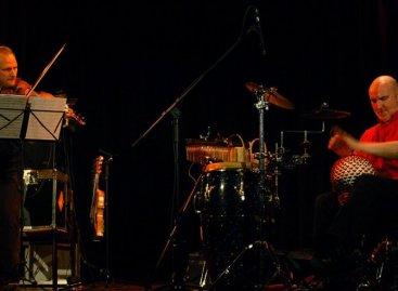 Udukere: El resultado de dos instrumentos fusionados por Tycoon