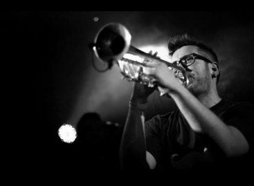 El trompetista Ramón Figuera se acompaña de DPA Microphones en sus videos