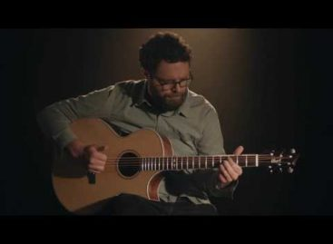 Cort y su guitarra electroacústica NDX Baritone