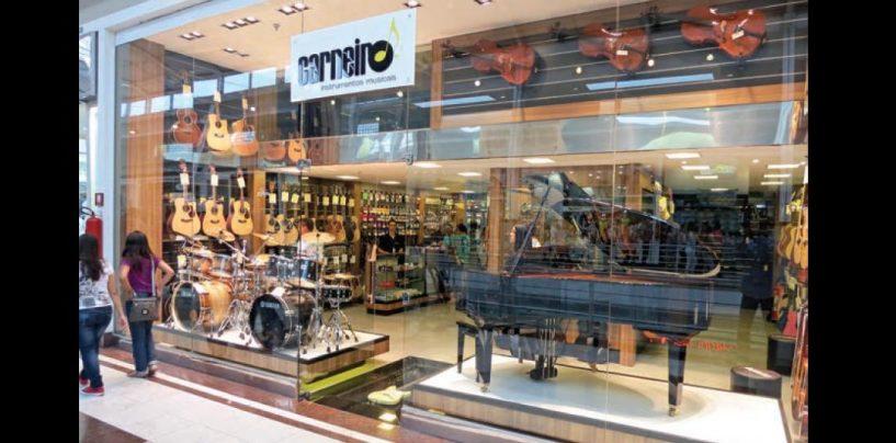 Las siete tiendas de Carneiro Instrumentos Musicais