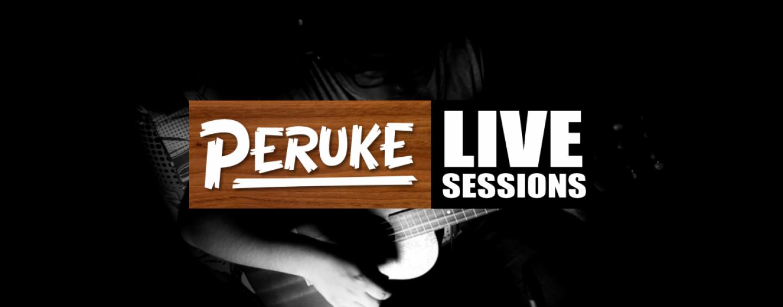 Peruke atrae miradas con el ukulele