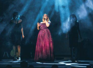 La consola de iluminación LightShark de WORK PRO respalda el show Someone Like You – The Adele Songbook