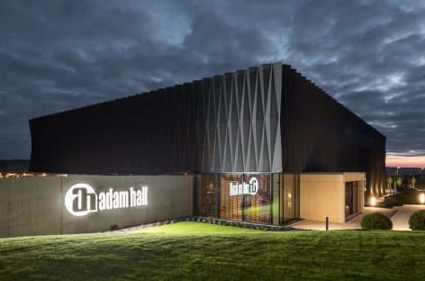 El Adam Hall Experience Center recibe ICONIC AWARD: Innovative Architecture 2019