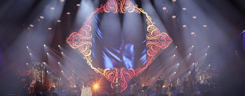 Ana Gabriel es iluminada por Robe
