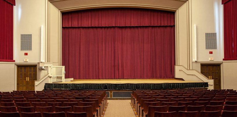Auditorio Daniels Theatre se equipa con los altavoces Panaray MSA12X de Bose Pro