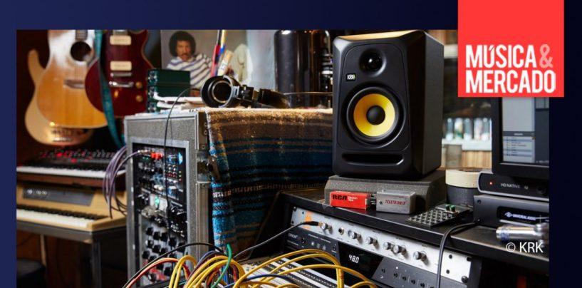11 formas de mejorar el montaje de monitores en tu estudio casero