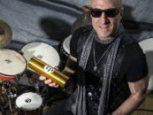 Kenny Aronoff es patrocinado por Latin Percussion