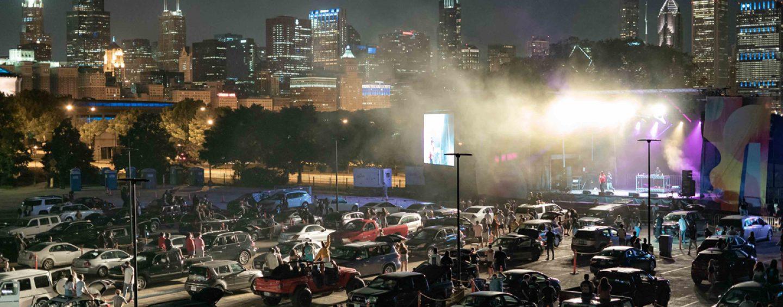Lakeshore Drive-In abre en Chicago con luces Ayrton Perseo