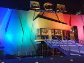 Cameo ilumina exterior de la discoteca BCM en Mallorca