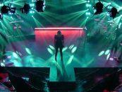 Luces Elation iluminan evento en vivo virtual
