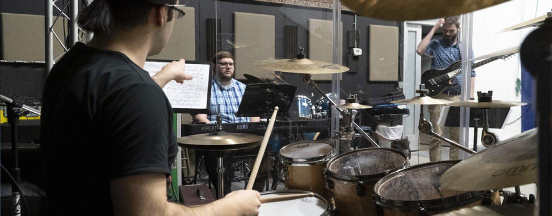 QSC en espacio para ensayos Taylor Sound