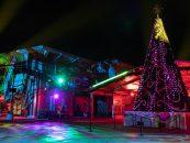 Iluminación para exteriores de Elation en el show navideño de Iglesia Bayside
