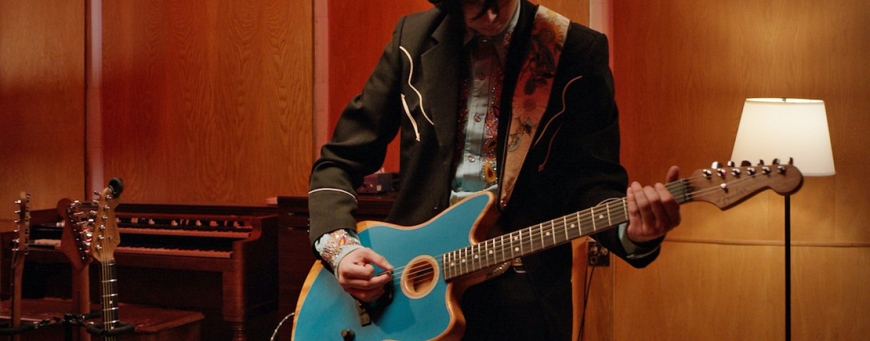 Fender lanza American Acoustasonic Jazzmaster
