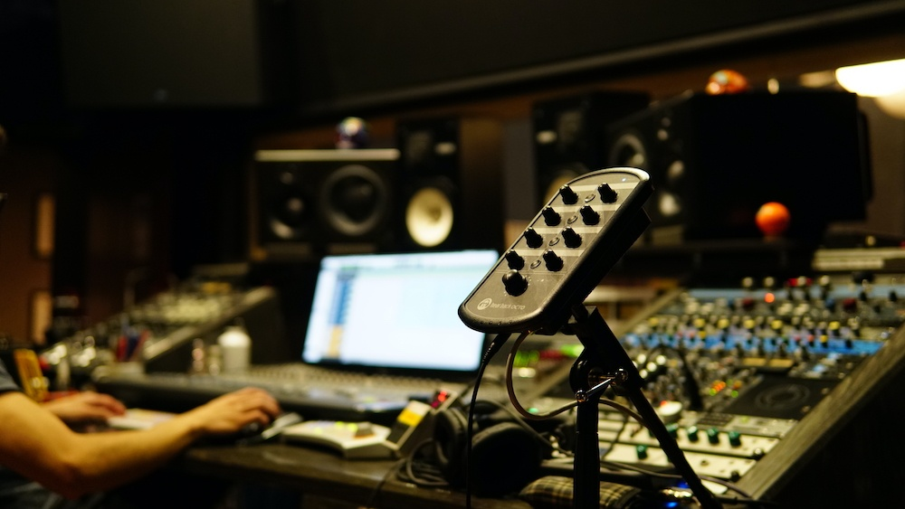 OCTO Mixer at Groove Studios in Colombia credit Harbey Marin 2-26-21 copia
