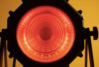 Martin presenta luz LED VDO Atomic Bold