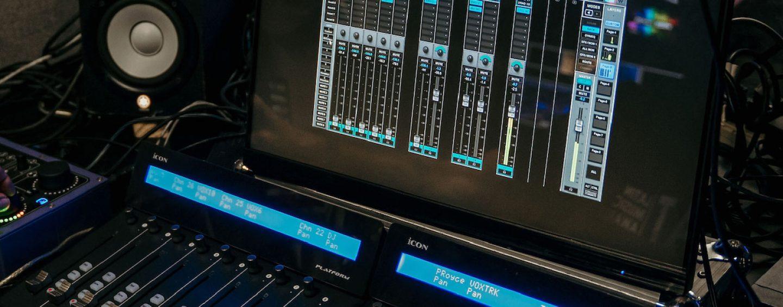 Mixer Waves eMotion LV1 en los Heat Latin Music Awards
