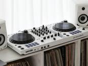 DDJ-FLX6-W de Pioneer DJ tiene edición limitada en color blanco