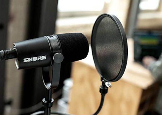 Shure presenta nuevo micrófono MV7X para podcast